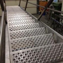 rvs trappen geperforeerde treden